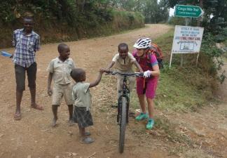 Kinder sind vom Bike begeistert.