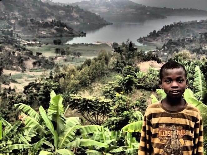 Die Landschaft im Fokus - und beim Knipsen plötzlich ein Kind im Bild.